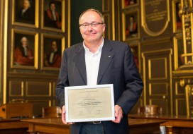 Jean-Marc Triscone receives the EPS award – Highlight on his work