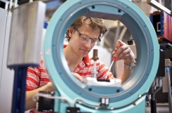 "Simon Gerber receives the ""Young scientist prize of the Swiss Neutron Scattering Society"""